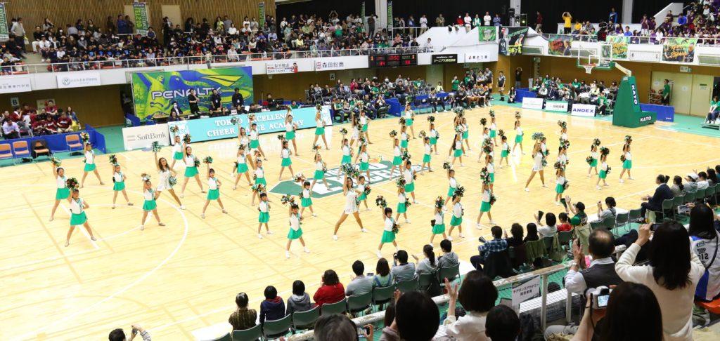 チアダンス アカデミーの練習風景