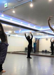 元Kバレエダンサー が教える バレエ教室 YK Ballet Class 品川レンタルスタジオ 東京 GATE STUDIO レッスン風景1