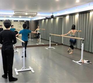 元Kバレエダンサー が教える バレエ教室 YK Ballet Class 品川レンタルスタジオ 東京 GATE STUDIO レッスン風景2